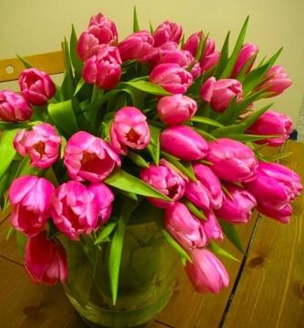 Тюльпаны в вазе.