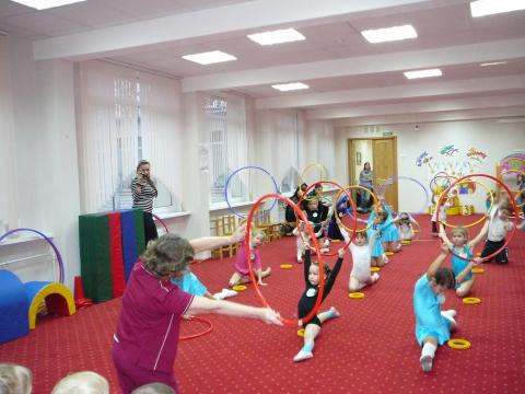 Спортивное выступление на празднике - Валентина Ивановна Редькина