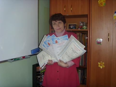 Вручение сертификатов в других классах будет продолжено! - Марина Юрьевна Горбачева