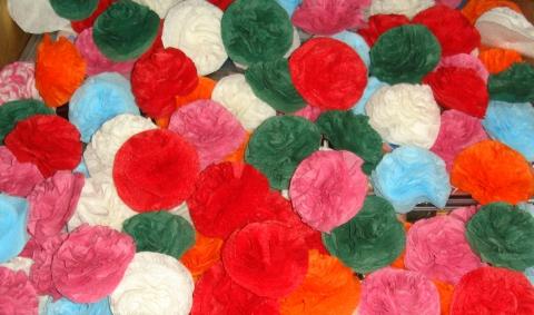 Как сделать цветы из туалетной бумаги своими руками